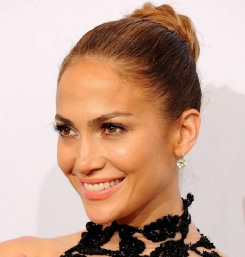 Jennifer Lopez Bun